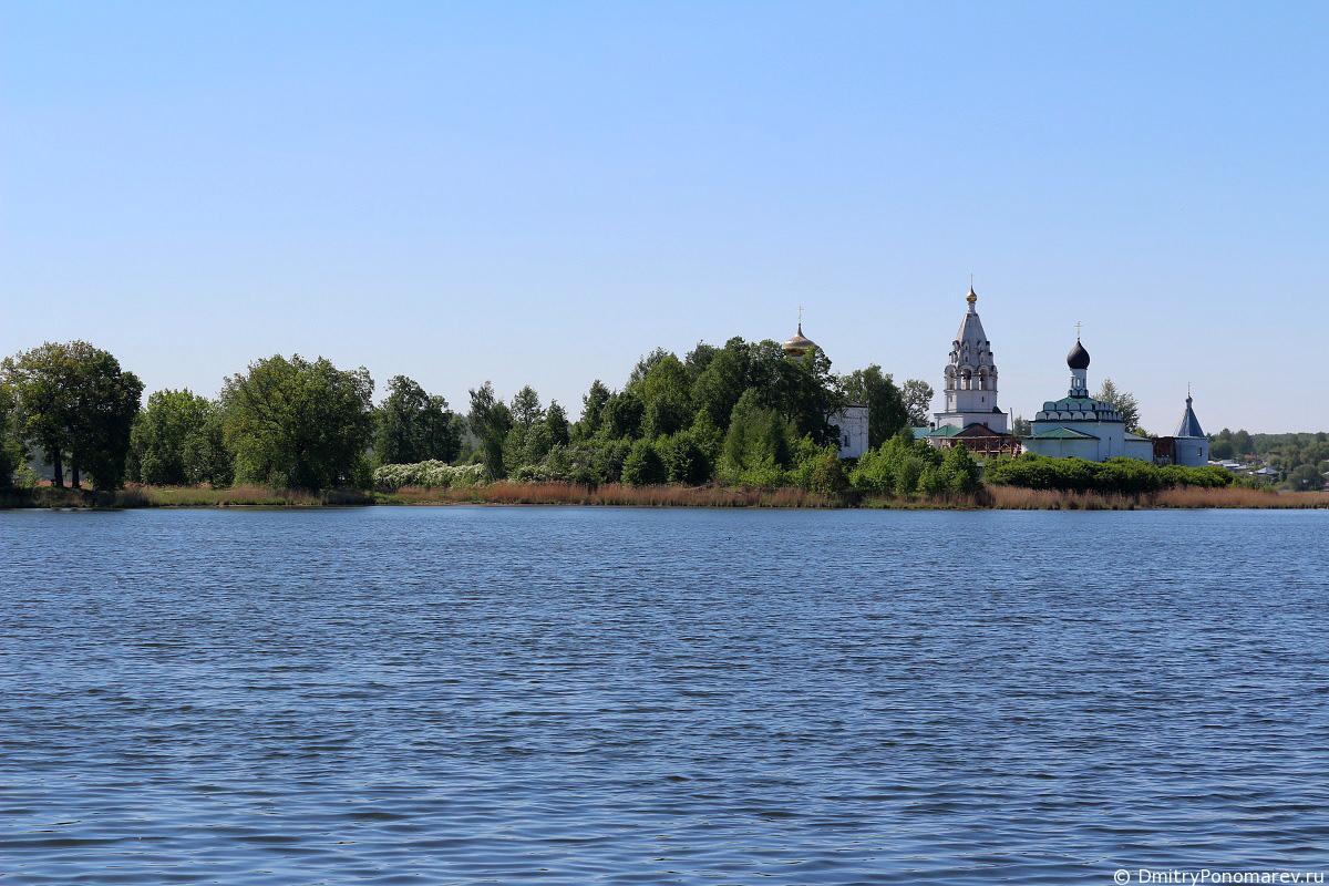 Свято-Троицкий Островоезерский монастырь в Ворсме
